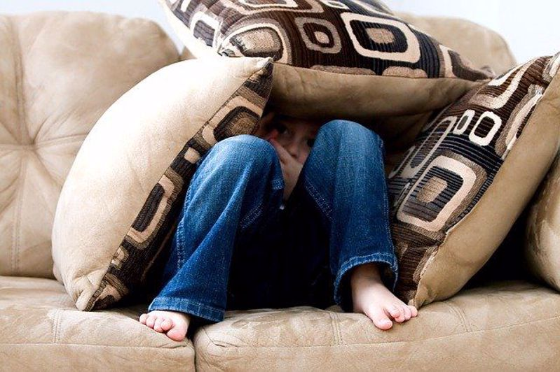 How to choose a new couch from Lowes and save money