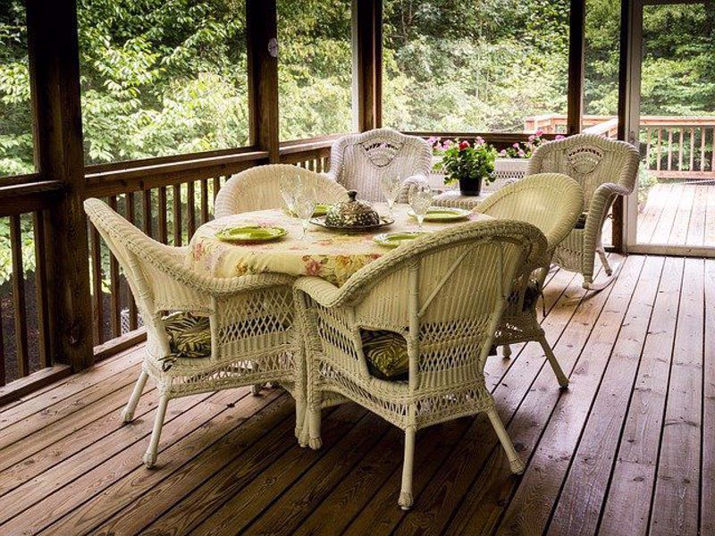 Quick History of outdoor furniture