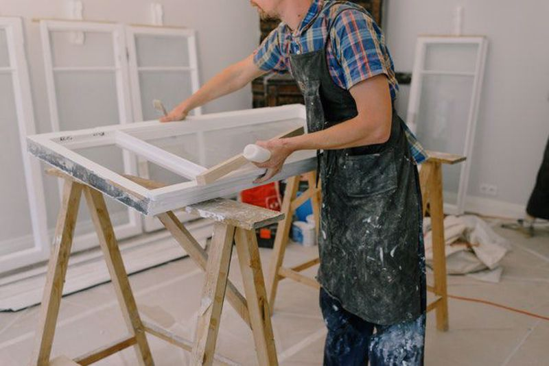 How to paint your Window Frames